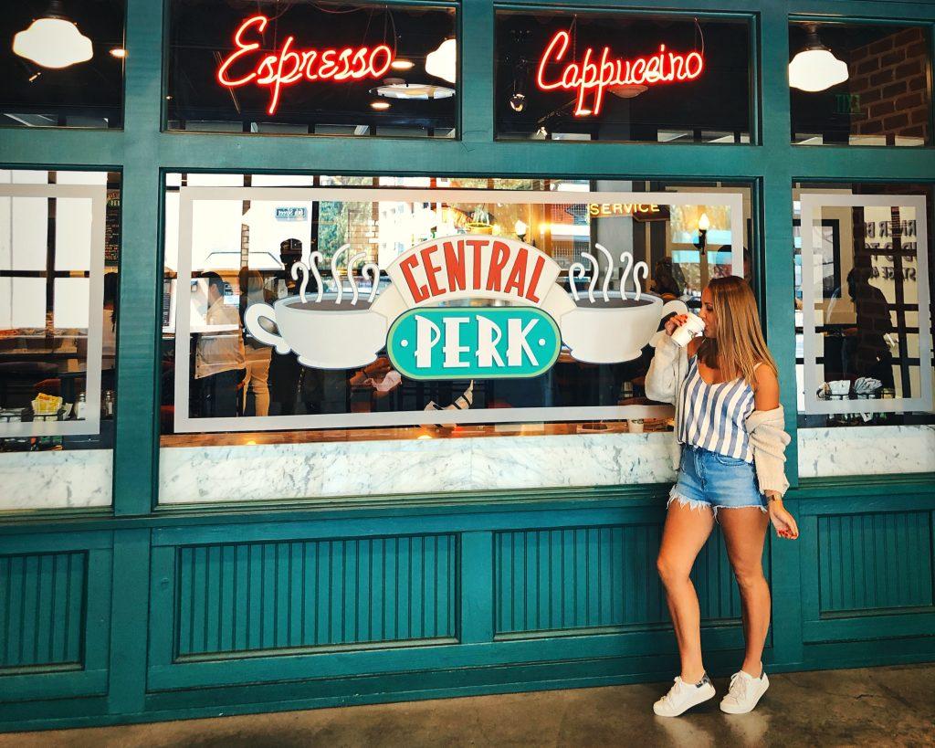 Central Perk - Warner Bros.